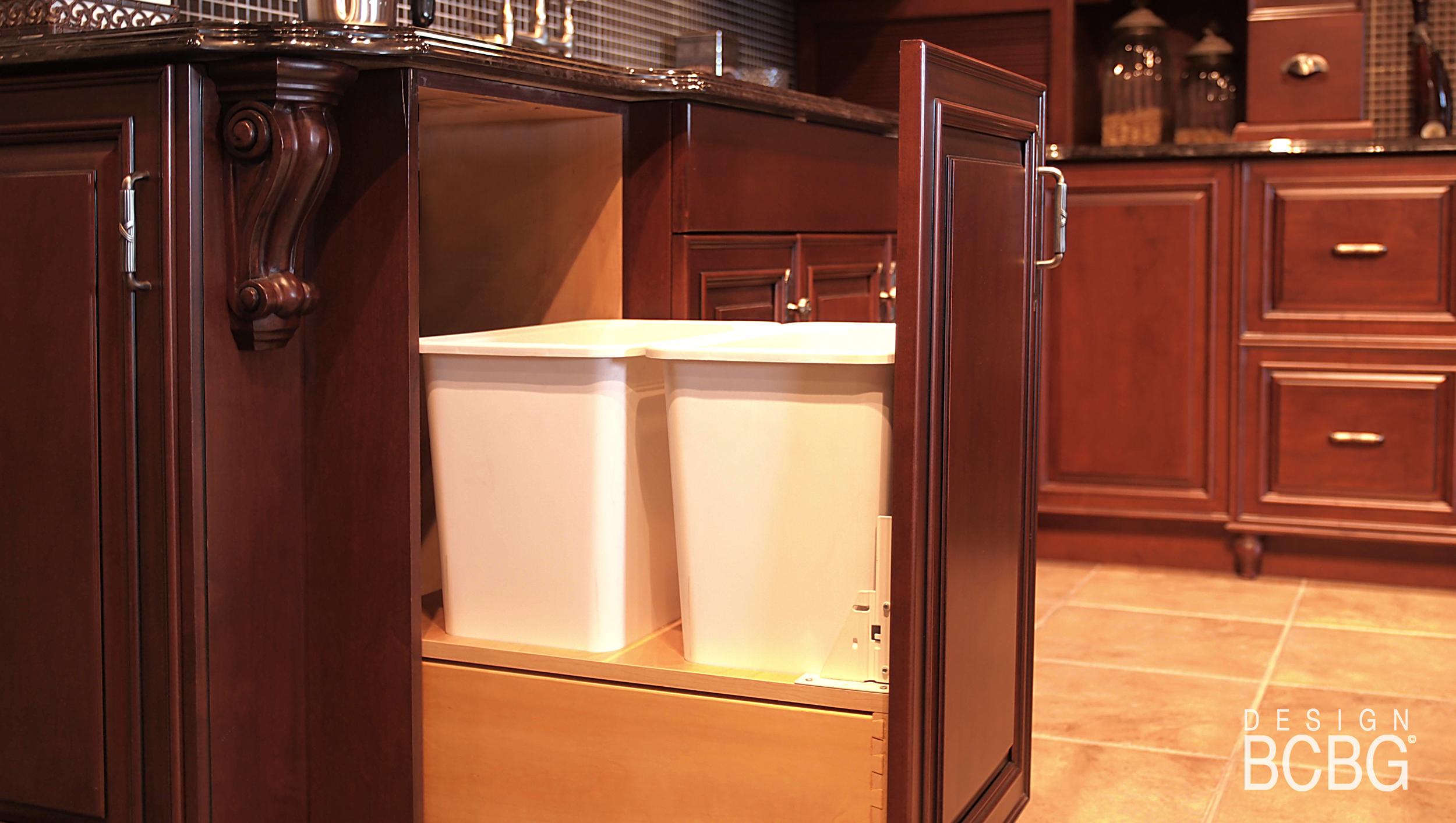 Armoire de cuisine montreal laval rive nord cuisiniste for Accessoire salle de bain laval